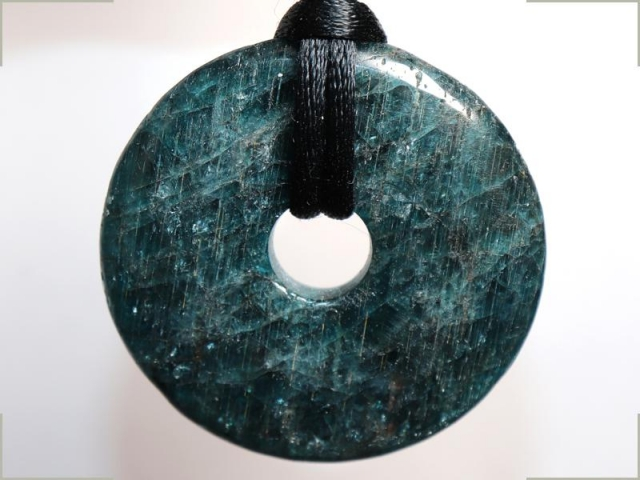 Apatite (donut) on cord - f.e. leather cord (necklace)