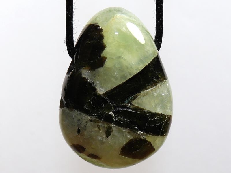 Prehnite with epidote on cord